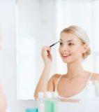 眉毛で顔の印象を変える