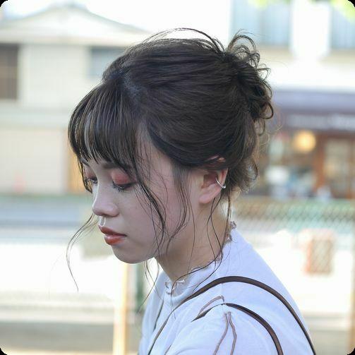 ゆるっと抜け感 お団子アレンジスタイル 南田